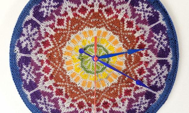 Knit a Gorgeous Clock … It's a Work of Art!