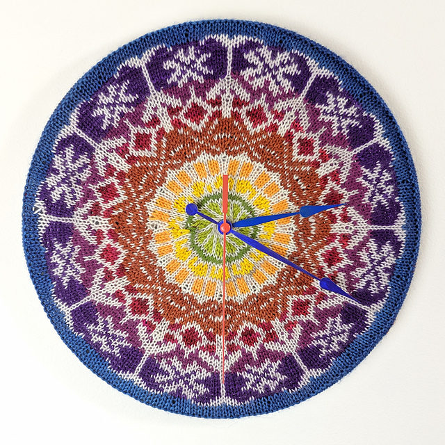Knit a Gorgeous Clock … It's a Work of Art!