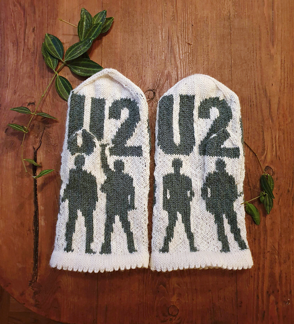 Knit a Pair of U2-Inspired Mittens, Designed By Lotta Lundin, The Thumbs Feature Stars!