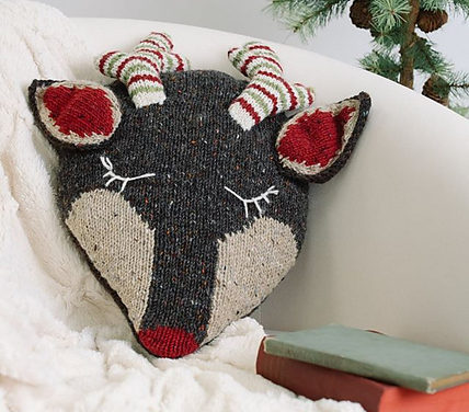Knit a Stylish Rustic Rudolph the Reindeer Cushion For The Holiday Season With This Free Pattern