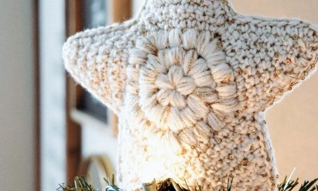 Crochet a Modern Farmhouse Christmas Tree Topper and Skirt, It's a Gorgeous Set!
