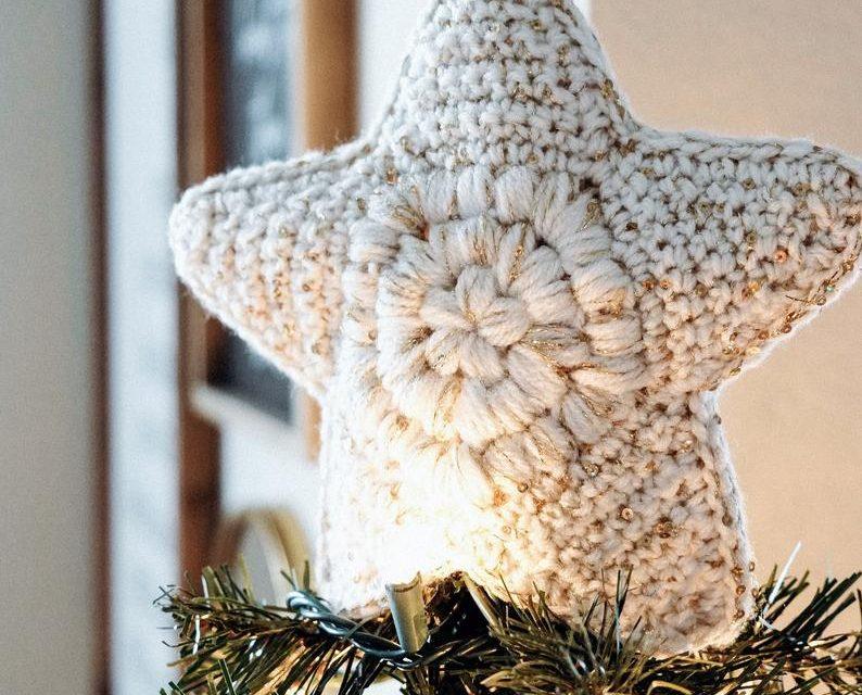 Crochet a Modern Farmhouse Christmas Tree Topper and Skirt, It's a Gorgeous Set!
