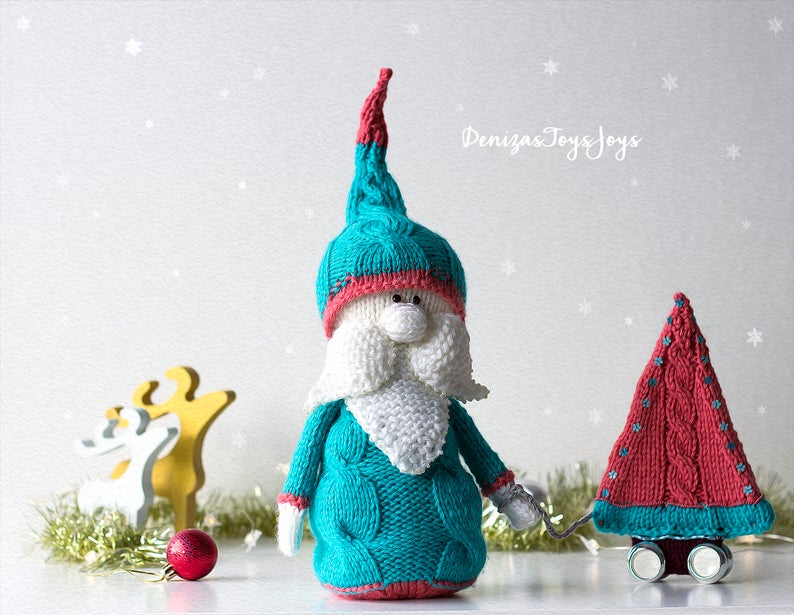 Designer Spotlight: 10 Quick-Knit Christmas Ornaments, Great Gifts, Super Stashbusters!