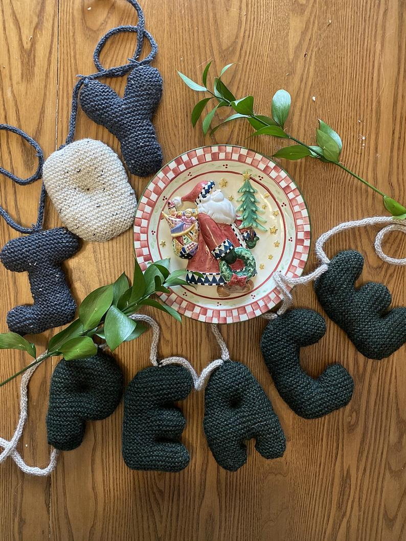 Knitting Pattern For Chunky 'Bubble Writing' … Get the Whole Alphabet … SO FUN!
