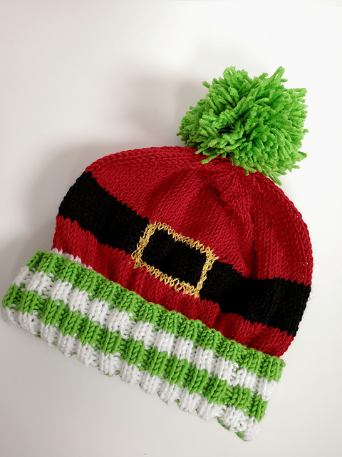 Knit An Adorable Christmas-Theme Winter Hat, The Pattern Is FREE!