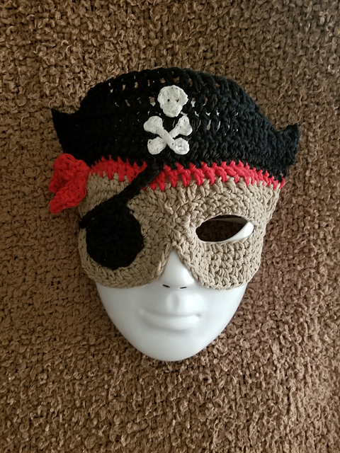 Crochet a Pirate Costume Mask … Cosplay At It's Most Yarnspirational!