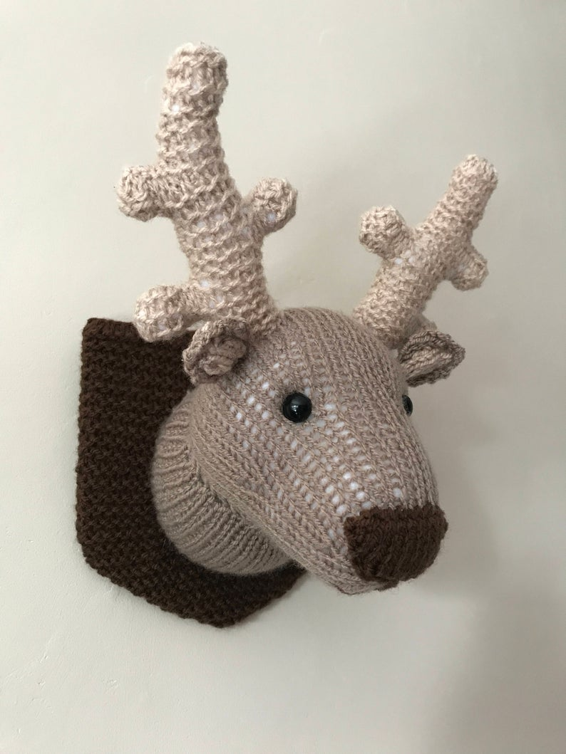 Get the knit pattern designed by Emma Whittle of Little Whits Knits #knitting #fauxidermy