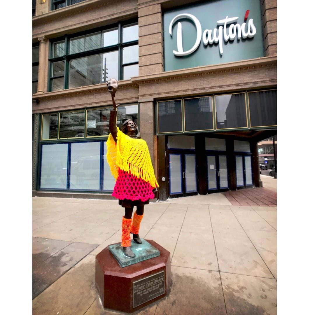 Colorful Mary Tyler Moore Yarn Bomb Spotted In Minneapolis, Crocheted By Knitteapolis!