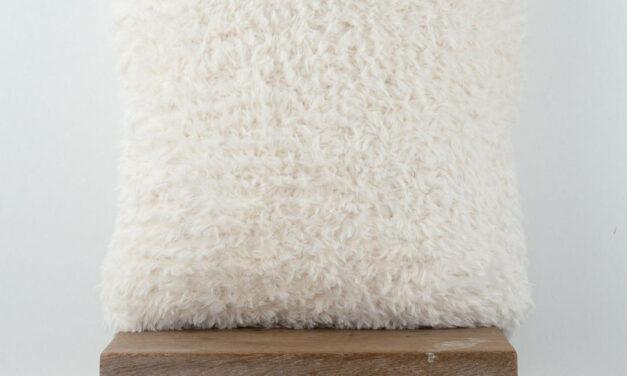 Free Pattern Alert: Knit a Fun Faux Fur Pillow