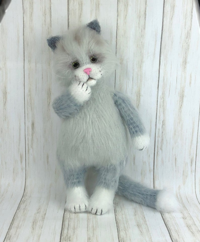 Everyday Can Be Caturday ... These Crochet Cats Are Turning Heads, They Look So Real! You Can Make 'Em!