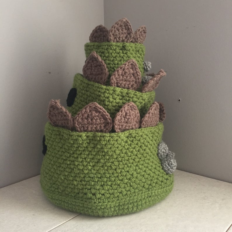 Crochet a Set of Stegosaurus-Themed Storage Baskets With This Fun Pattern