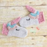 Free Pattern Alert! Crochet a Pair of Unicorn Mittens, The Thumb Is The Horn!