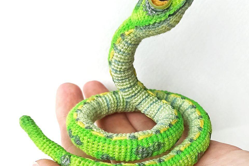 Incredible Snake Amigurumi … Realistic Reptile is an UNDERSTATEMENT!
