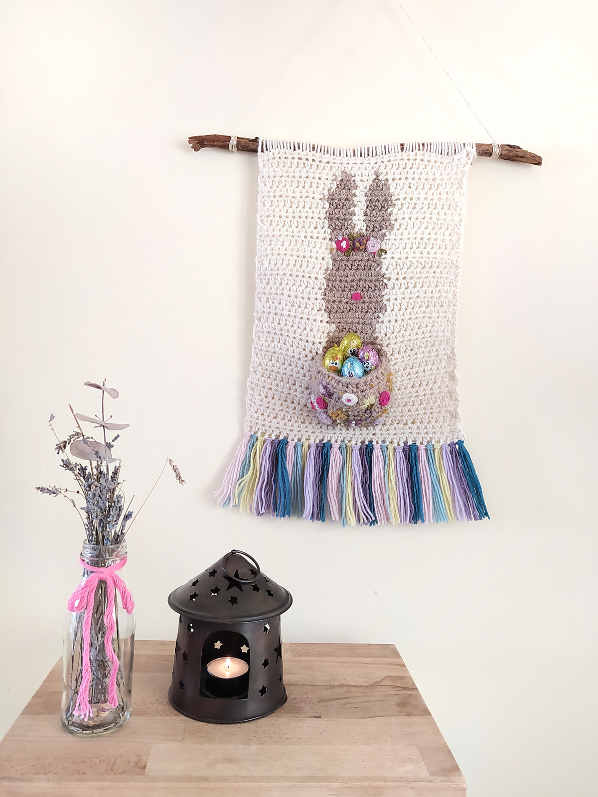 Crochet a Funny Bunny Wall Hanging With a Free Pattern From Carolina Damonte ... Sorry, Chocolate Eggs Not Included!