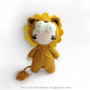 Get the knit pattern from from Shirley of KnitterBees #knitting #amigurumi
