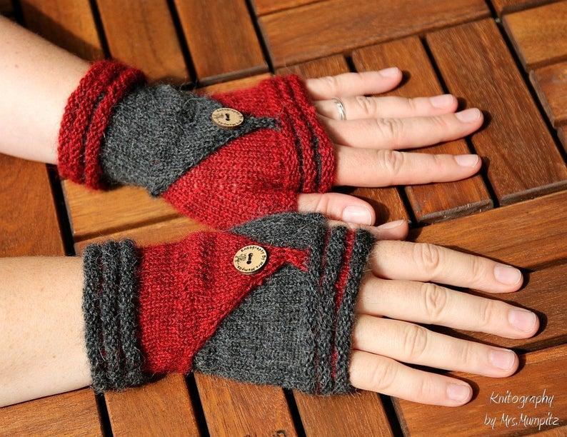 Get the knit pattern from Doreen Blask of Mumpitz Design