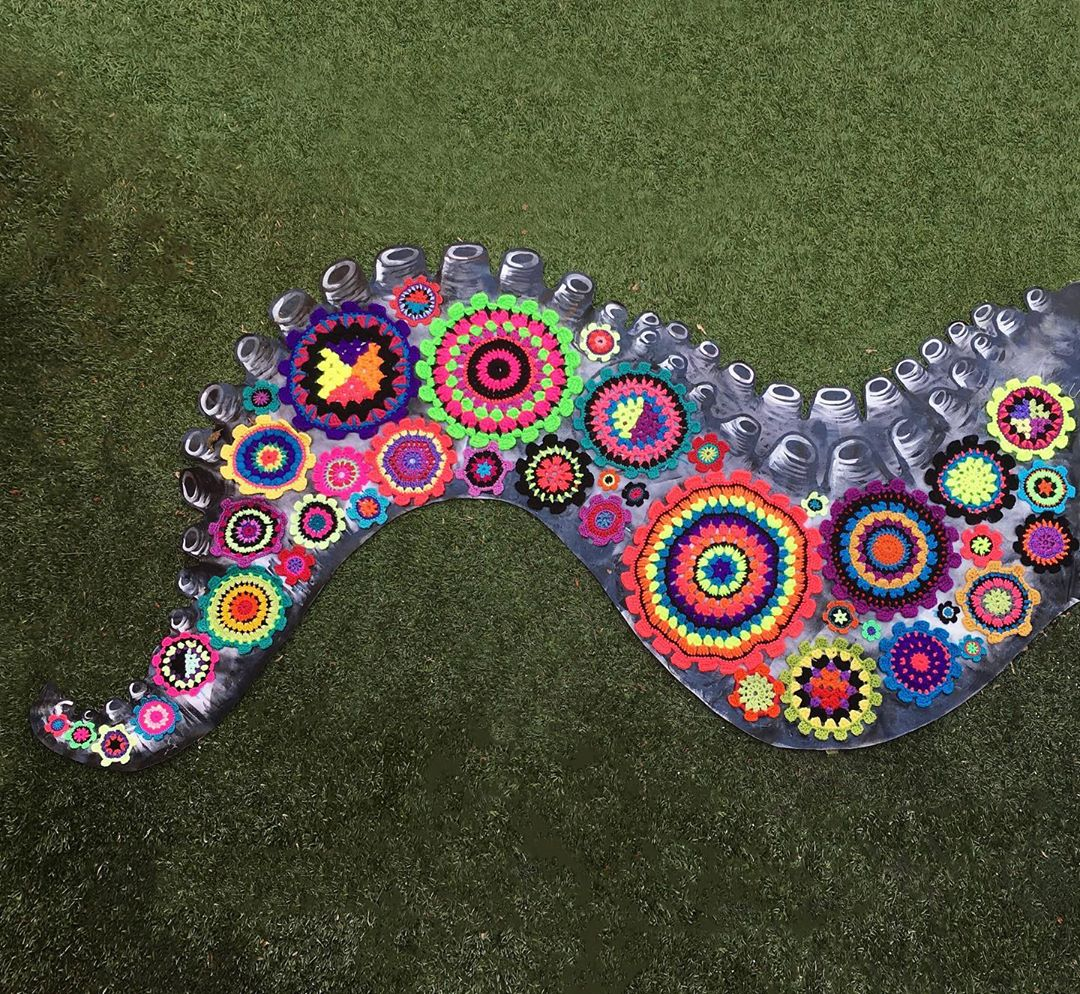 New Piece From Madrid-Based Street Artist Teje la araña, Her Paste Ups Hook Up With Colorful Crochet!