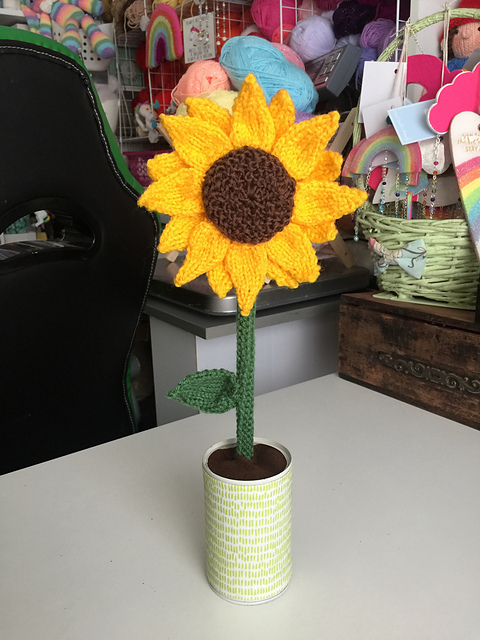 Free Pattern Alert: Knit a Large Sunflower, Designed By LT Marshall
