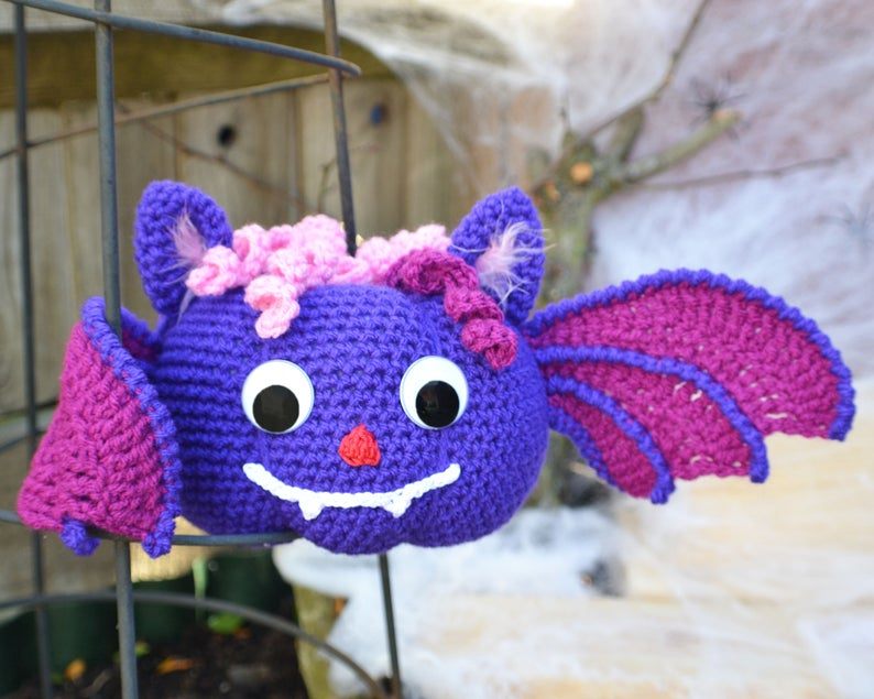 Get the pattern designed by Angelika of the Make It Easy Craft Room #crochet #amigurumi