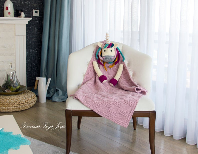 Knit a Unicorn Baby Blanket, It's a Great Gift and So Cute!