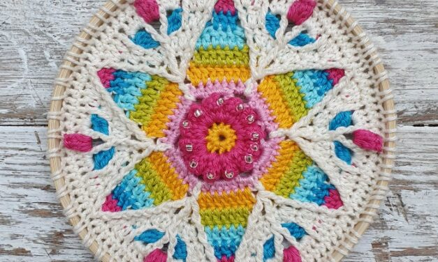 Fabulous Fancy Nancy Mandala – Free Pattern and Tutorial By Dedri Uys