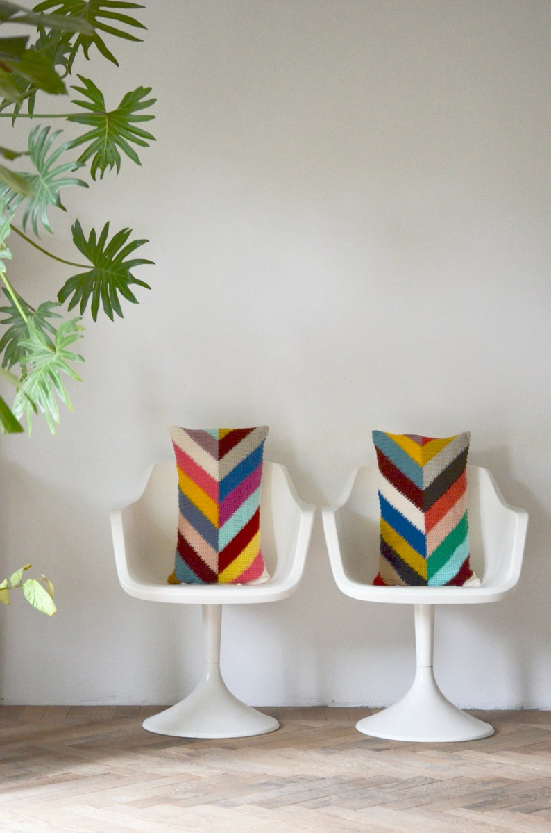 Crochet A Set Of Colorful Chevron Pillows ... Handsome Stashbuster!