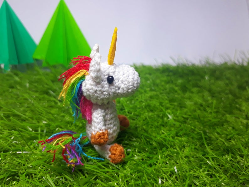 Tiny Amigurumi Patterns by Vivian of Obscurely Small #crochet #amigurumi