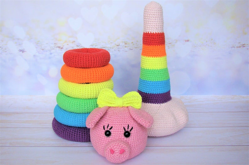 Cute Crochet Toy Alert! Adorable Amigurumi Piggy and Rainbow Stacking Rings