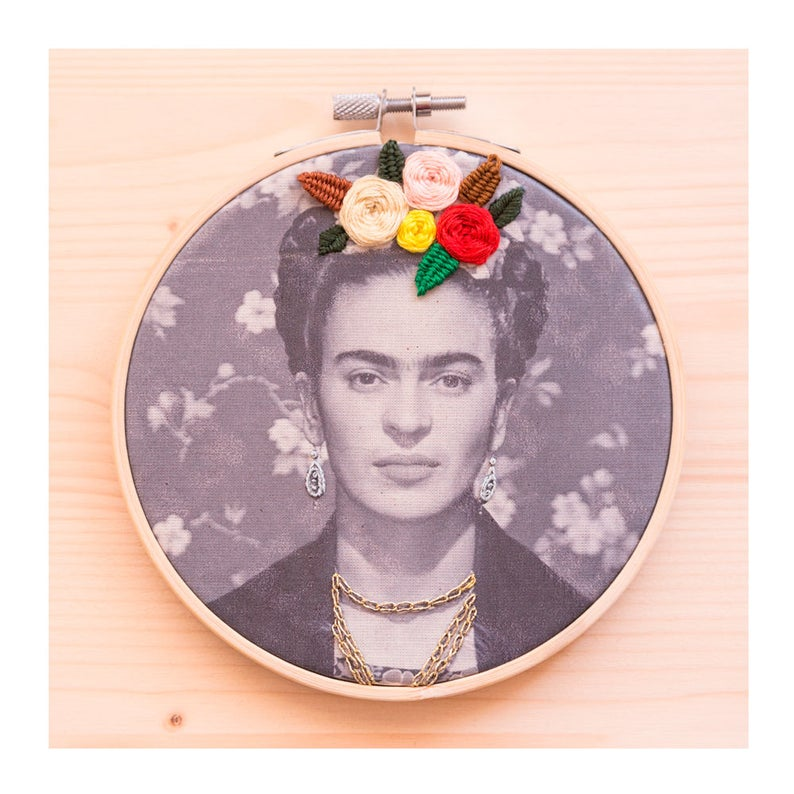 Hoop Art By Minia Banet #embroidery #hoopart
