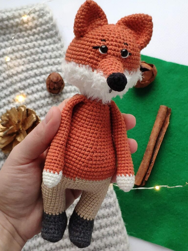 Get the pattern designed by Kate Kobets of Toysneed