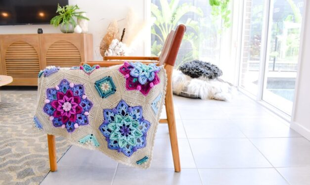 This Captivating 'Floral Dreams' Afghan Designed By Emily Of The Loopy Stitch Is Totally Heirloom-Worthy