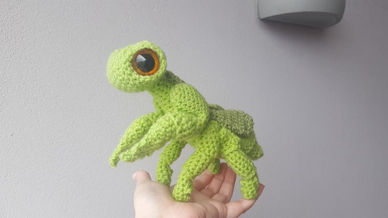 Adorable Cartoonish Praying Mantis Amigurumi By Complicated Knots … Get The Pattern!