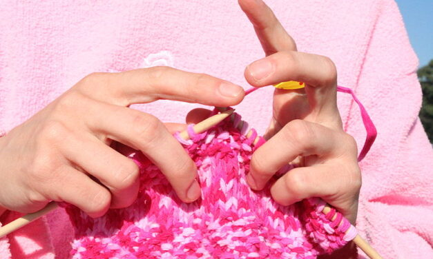 Top 5 Reasons Why Knitting Can Enhance the Education Process of a Child