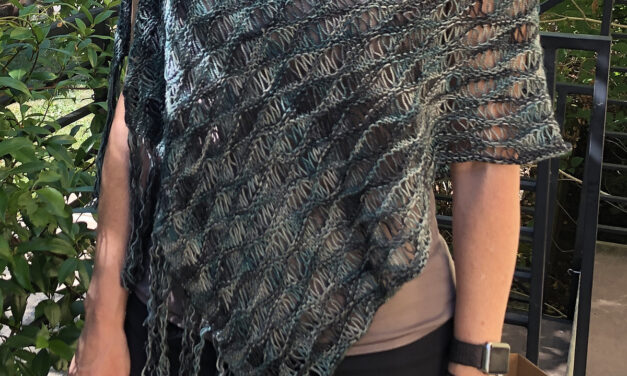 This Wavy Lacy Poncho Is Beautiful and Great For Beginner Knitters!