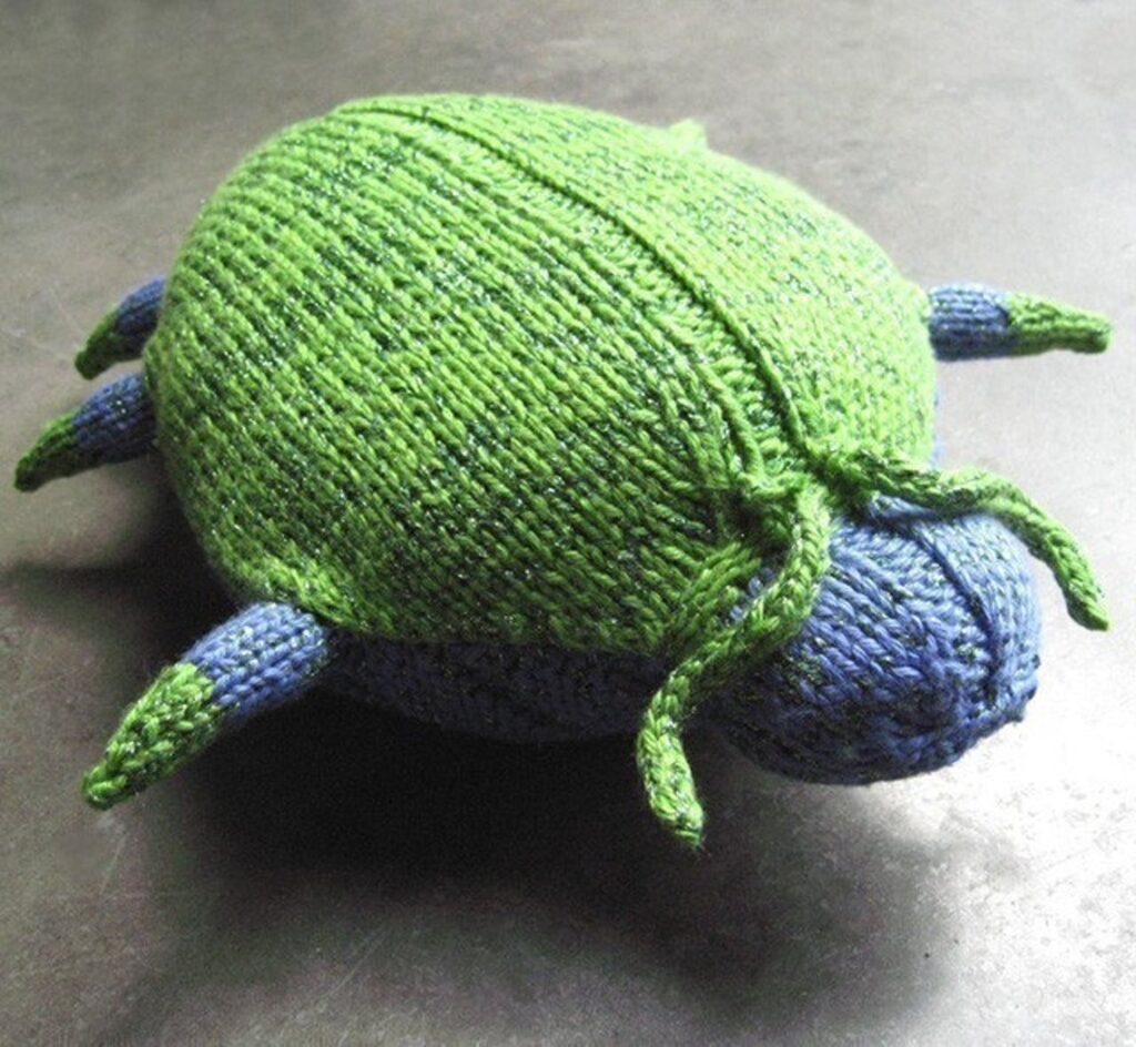 Knit a Sparkle Beetle ... This Little Bugger is C-U-T-E!