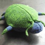 Knit a Sparkle Beetle … This Little Bugger is C-U-T-E!