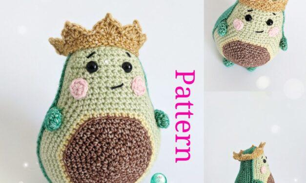 Crochet An Avocado Amigurumi … Long Live The King!