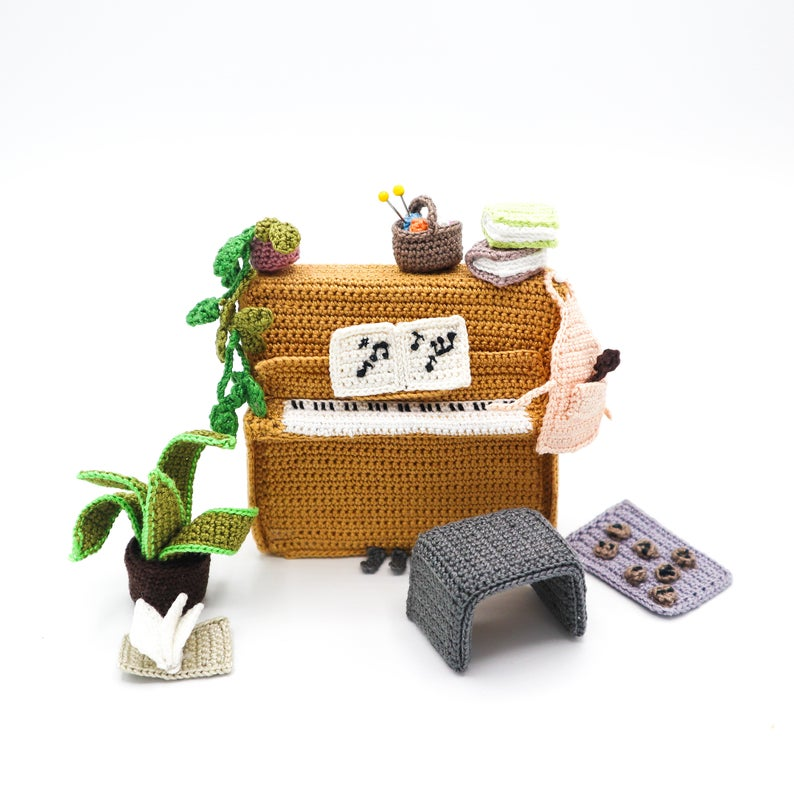 Crochet Miniature Patterns designed by Kwannie Cheng of Studio Manya #crochet