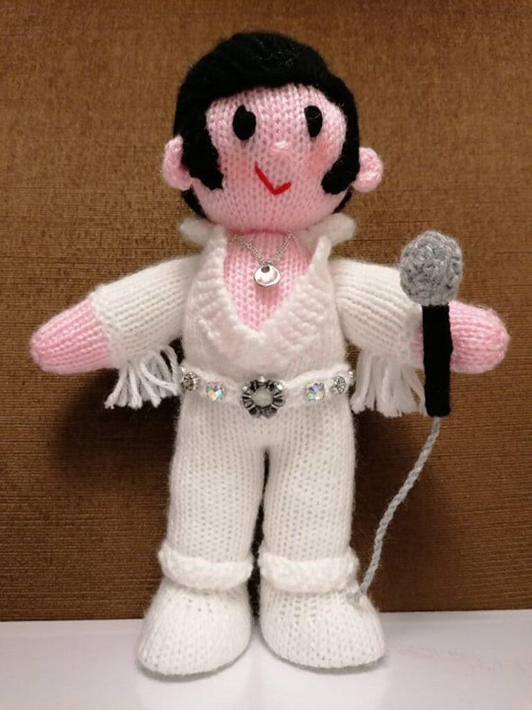 Knitted Amigurumi Patterns By Elaine Munn of ECDesignsToys