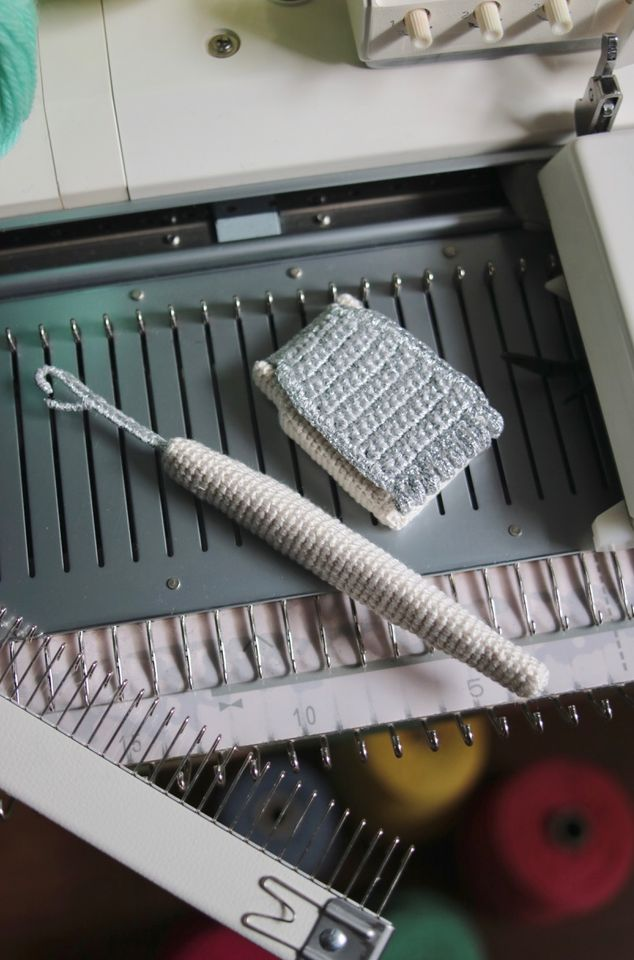 Unusual Crochet: Check Out 203gow's Meta Knitting Machine Tools ... They Don't Work!