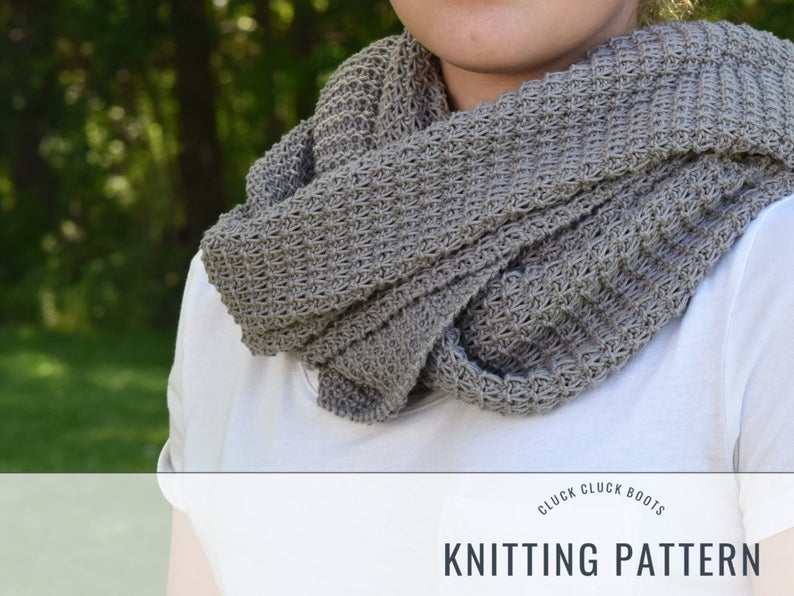 Knit a Cowl designed by Kathy Hammerton of Cluck Cluck Boots #knitting