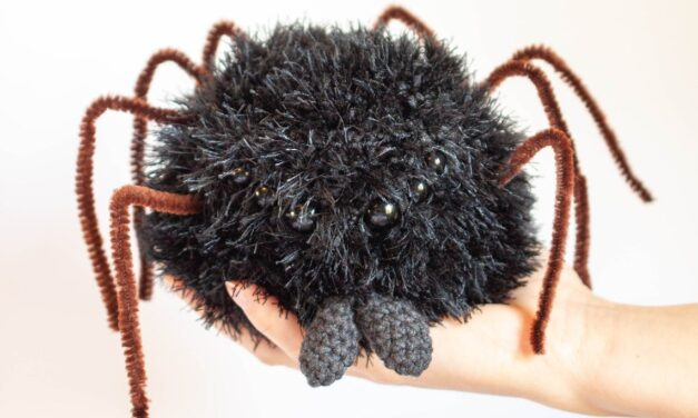 This Crochet Spider Amigurumi Moonlights As A Clever Little Candy Bowl – SMART!