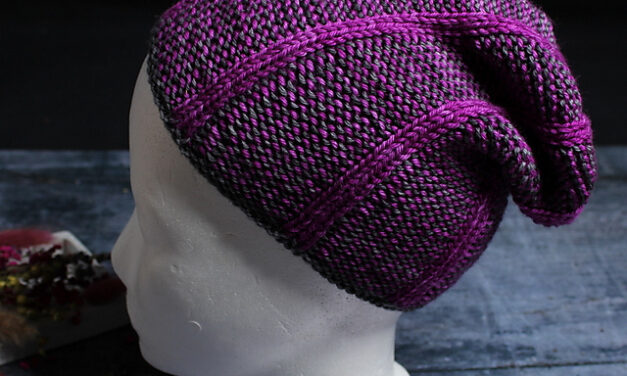 """It's Reversible and You Can Wear It As Beanie OR Slouchy Hat … Knit an """"Iceroad Mütze"""" Designed By Maike Schnichels"""