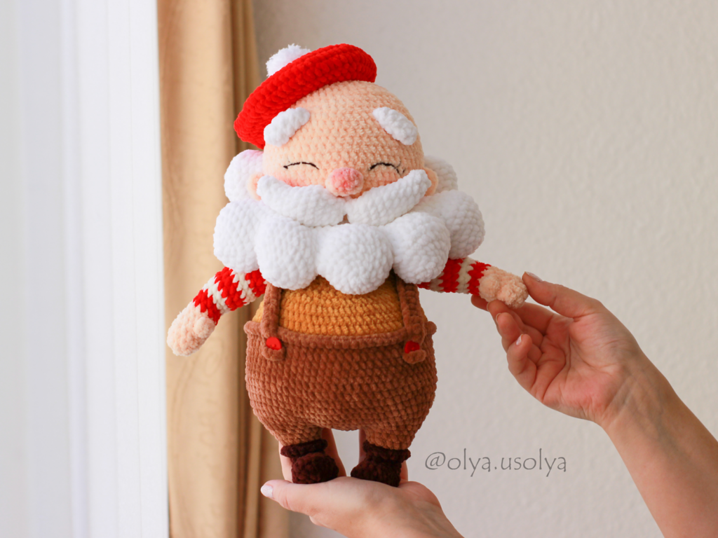 Never Has There Been a Cuter Santa Claus Amigurumi ... Get The Crochet Pattern ... Oh, My Gosh He's Adorable!