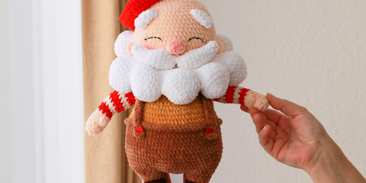 Never Has There Been a Cuter Santa Claus Amigurumi … Get The Crochet Pattern … Oh, My Gosh He's Adorable!
