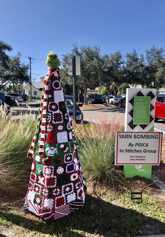 In Stitches Knitting Group's 2020 Yarn Bombs In Punta Gorda, Florida