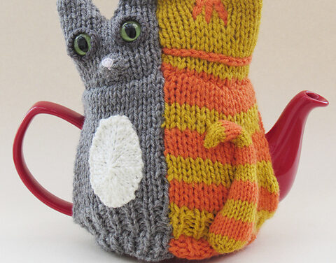 Knit a Tail of Two Kitties Tea Cosy Designed by Susan Cowper, So Unique!