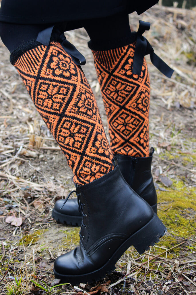 Hotspot Socks? Yes, Please. I'll Take Seven Pairs, Thanks ... The Pattern Is FREE!