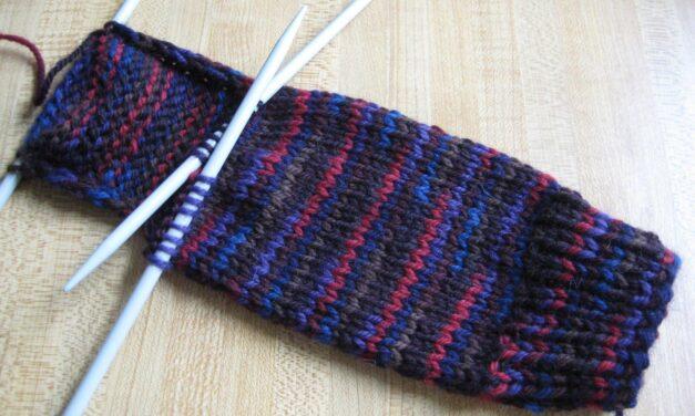 How Knitting Relaxes and Reduces Stress from Studying