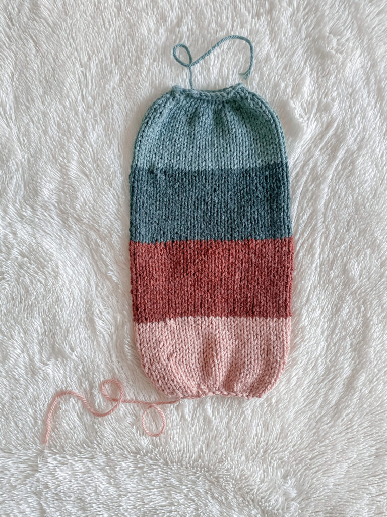 You Can Knit a Reversible Beanie, It's Easy-Peasy!